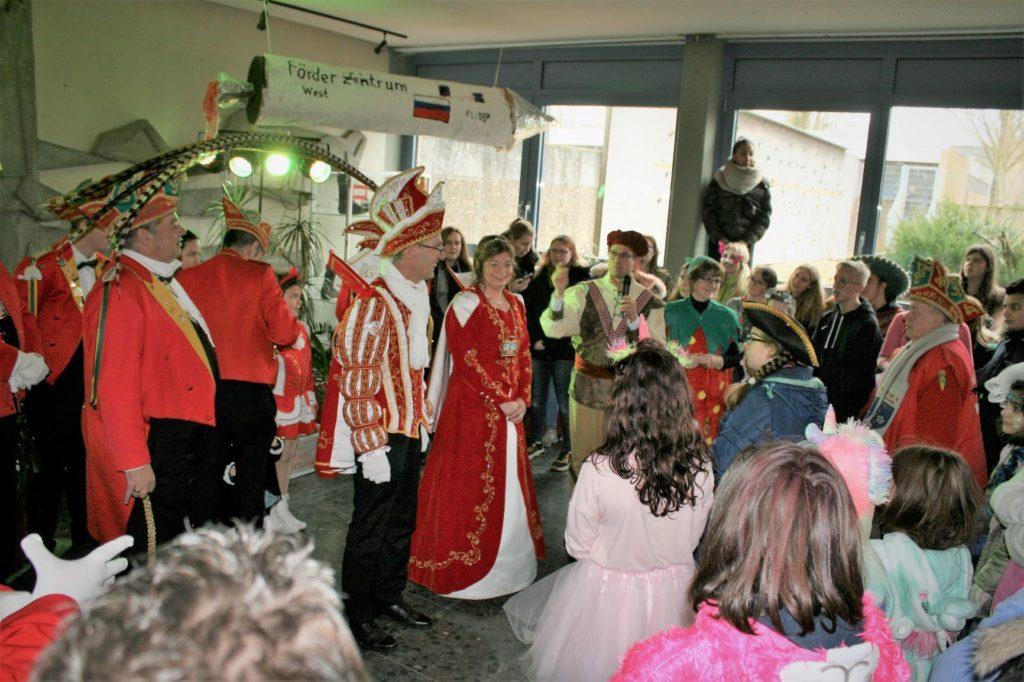 Dülken begrüßt Prinzenpaar Annabelle I & Frank I